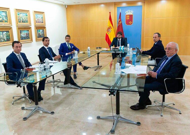 Fernando López Miras, Región de Murcia, Comote de Crisis, Fundación del Toro Lidia