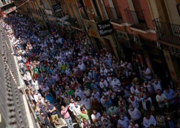 Pamplona se echa a la calle en un multitudinario Paseo Taurino