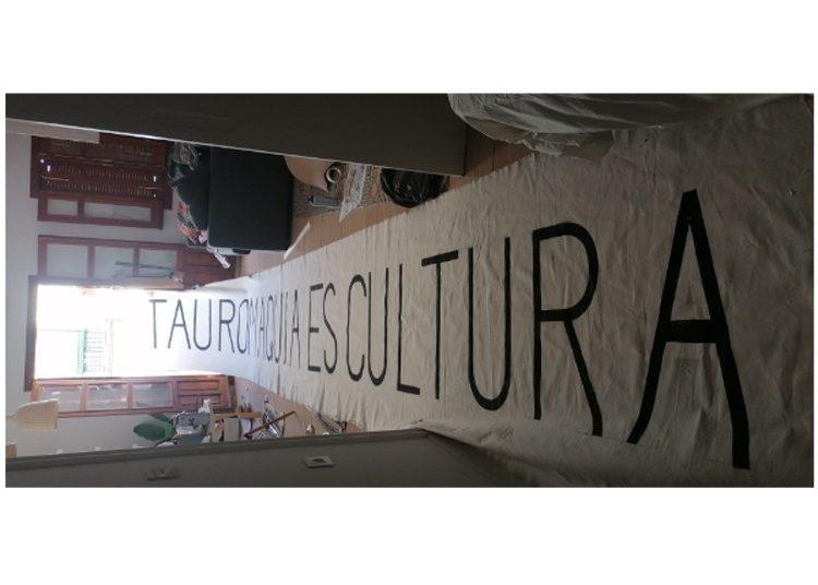 Comienza la tarde de 'paseos taurinos' en España