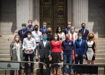 La UNPBE mantiene una reunión con el Grupo Popular en el Congreso para instar al gobierno a aprobar las ayudas a los profesionales taurinos