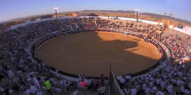 La corrida de Victorino en Herrera del Duque, con Manuel Escribano, Garrido y Juanito, al detalle (Directo: Herrera del Duque)