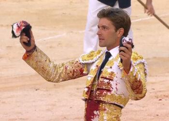Juan Leal, dos orejas en Nimes