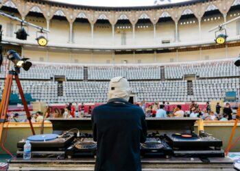 Monumental de Barcelona, ruedo, Cataluña, disc jockey
