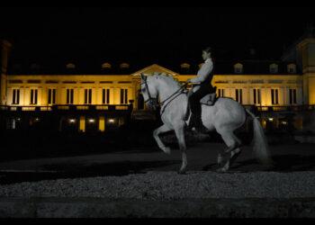 Lea Vicens imagen del 300 aniversario de las prestigiosas bodegas francesas Château Ducru-Beaucaillou