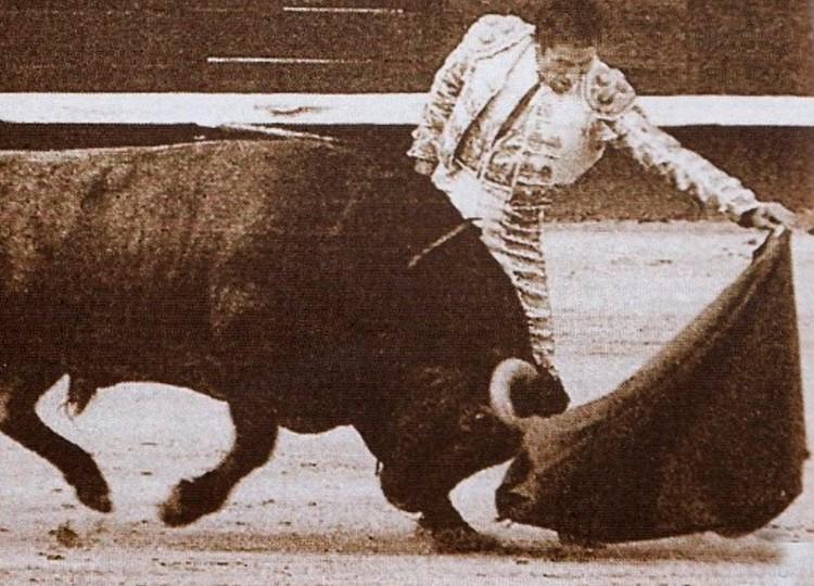 Andrés Vázquez, vuelta al ruedo, Héroes de Leyenda