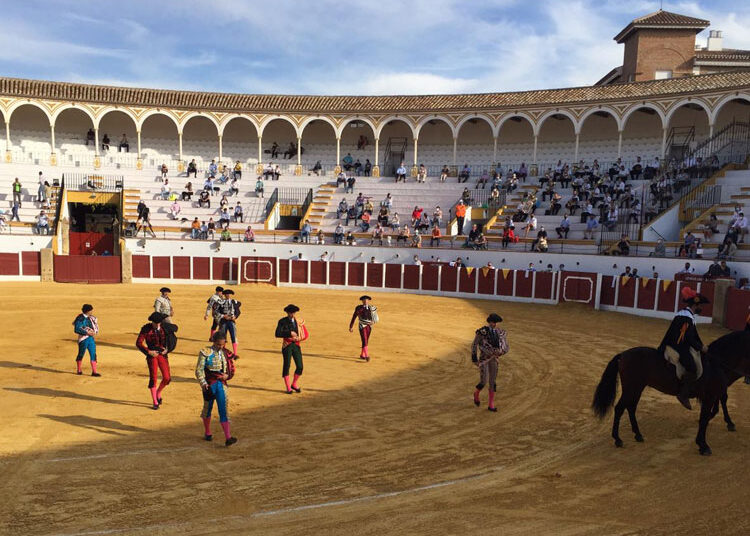 La corrida de Zalduendo en Antequera, con Finito y Bolívar, al detalle (Directo: Antequera)