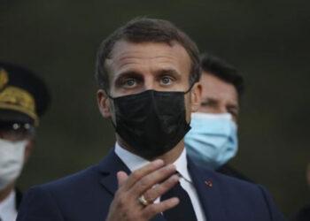 Francia declara el estado de emergencia e impone el toque de queda