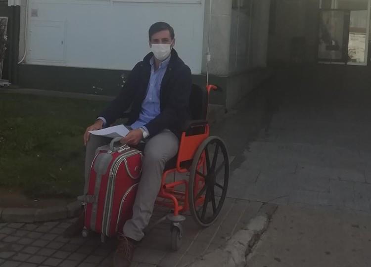 Salida del hospital de Francisco Montero tras su cornada en Herrera del Duque