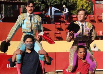 Sebastián Ibelles y Miguel Aguilar a hombros 'Encuentro Mundial de Novilleros'