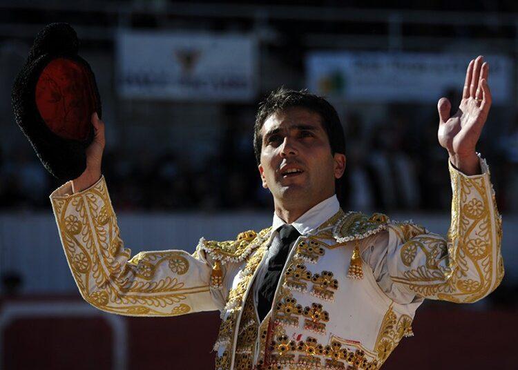 Javier Castaño, realizará un concurso en sus RRSS