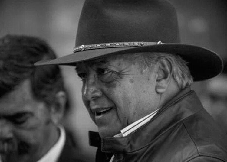 Julio Muñoz Cano, Caparica, México, ganaderos,