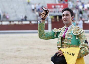 Daniel Menés corta una oreja en su debut en México