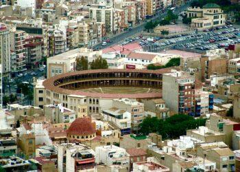 Plaza de toros de Alicante, desde el Castillo de Santa Bárbara l MARIBEL PÉREZ