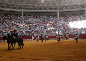 Paseíllo en el Coliseum de Burgos