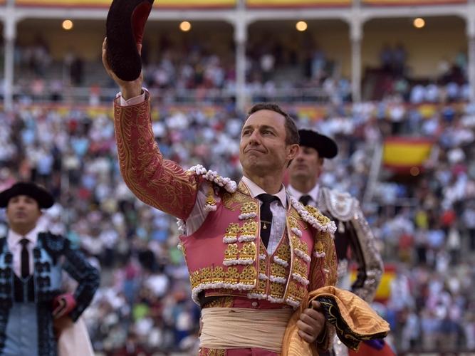 Rafaelillo: 'Mi mayor triunfo, como hombre y como torero, es poder vestirme de luces el sábado en Jaén'