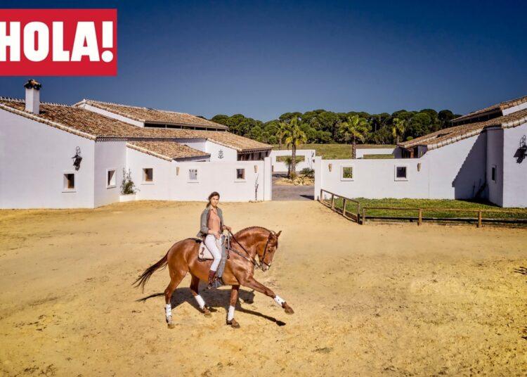 Lea Vicens, protagonista de un amplio reportaje en la revista HOLA!