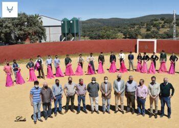 Miguel Briones presidió en la ganadería Sampedro la segunda selección de alumnos para participar en las novilladas televisadas de Canal Sur TV