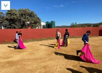 Aprobados cinco alumnos tras la segunda selección en la ganadería de Hermanos Sampedro