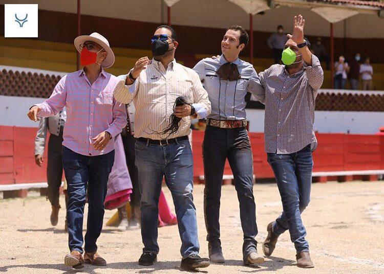 Indulta Saldívar en Naucalpan, homenaje póstumo a ganaderos Muñoz Cano