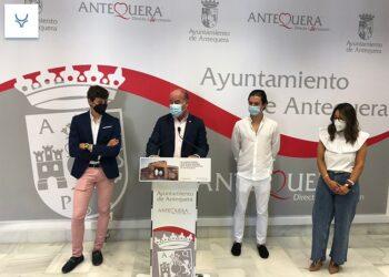 Santana Claros y Jorge Martínez son recibidos en Antequera por el ayuntamiento