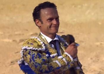 Antonio Ferrera, oreja tras una ardua faena al segundo (Directo: Nimes)