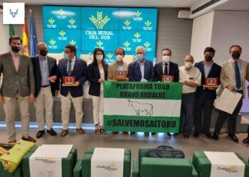El plan de rescate de la Junta de Andalucía salva al sector ganadero de bravo