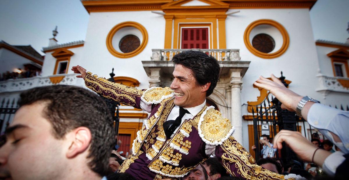 Cumbre de Pablo Aguado en Sevilla bilaketarekin bat datozen irudiak